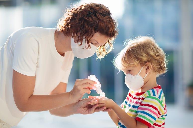 coronavirus, coronavirus pandemic, how to greet people during the coronavirus, coronavirus ends handshakes, coronavirus moms