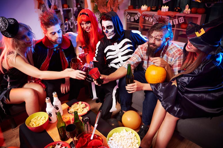halloween, halloween drinks, halloween cocktails, halloween drinking game