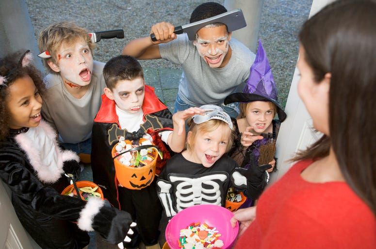 best places to trick-or-treat in Minnesota, best places to trick-or-treat in Minneapolis, best places to trick-or-treat, trick-or-treat times