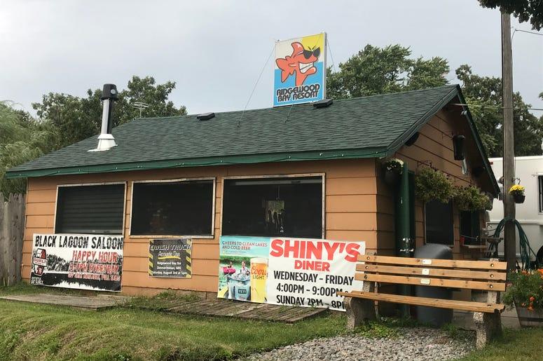 Ridgewood Bay Resort Zimmerman, best dive bars in Minnesota, Minnesota dive bars, minnesota's hidden gems
