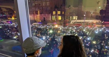 Cardinal Glennon light up event