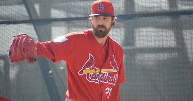 Cardinals pitcher Andrew Miller throwing at spring training.