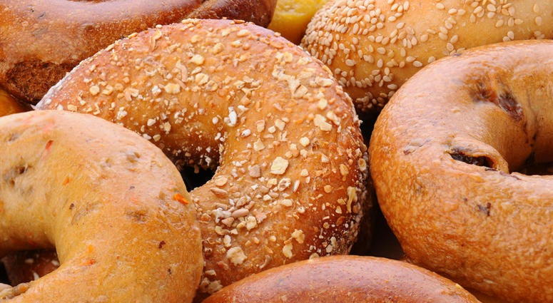Bread Sliced Bagels From St Louis Causes Viral Reaction To Photo Kmox Am
