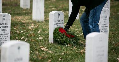 wreath, gravestone, christmas