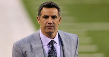 Football commentator Kurt Warner is shown prior to Super Bowl XLVIII between the Denver Broncos and the Seattle Seahawks at MetLife Stadium on February 2, 2014 in East Rutherford, New Jersey.