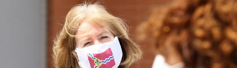 Lyda Krewson, mask