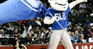 SLU Billiken won Jimmy Fallon's slam dunk, 3-point shooting contests