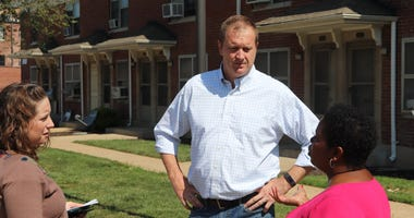 Attorney General Eric Schmitt tours Clinton Peabody Housing Project