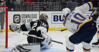 Blues beat Kings