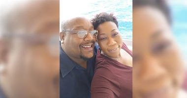 Couple goes through dialysis side-by-side