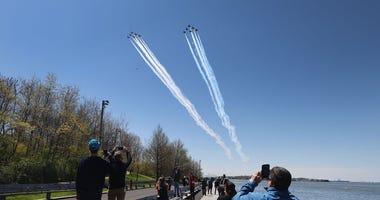 blue angels, thunderbirds, flyover