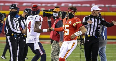 Chiefs and Texans players booed for 'moment of unity' in Thursday's NFL Opener