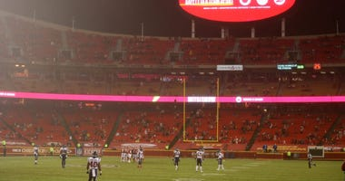 Fan who attended Chiefs opener tests positive for coronavirus