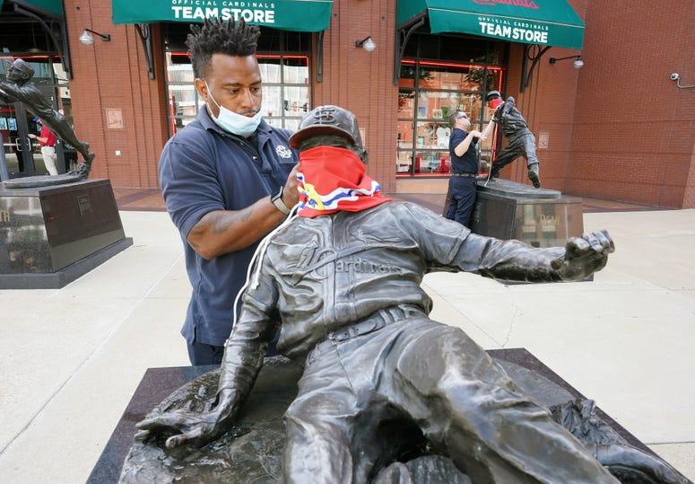 face mask, St. Louis, statue