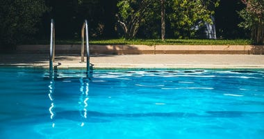 Airbnb-like app will let you rent out backyard pools; 20 options in STL area