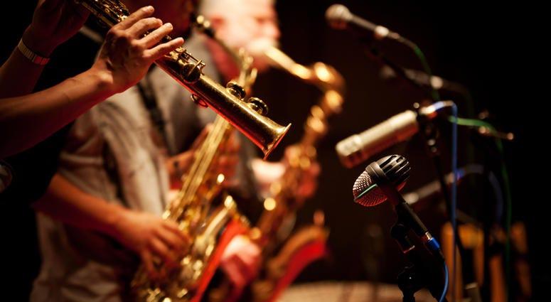 brass band plays jazz music