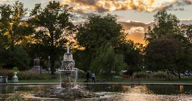 Tower Grove Park Fountain Pond & Ruins. Photo by Kari R. Frey, Freytography