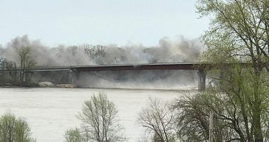Old Route 47 Missouri River Bridge demolition