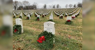 wreaths Jefferson Barracks cemetery