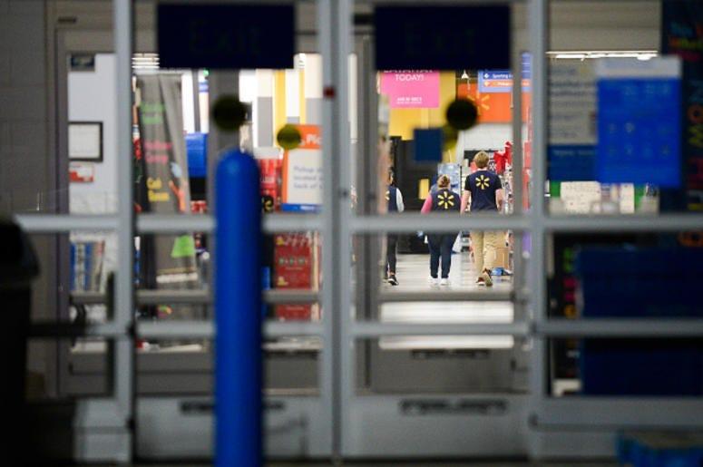 #3 Abusan A Niño En Baño De Walmart