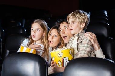 Niños Llorando En Cine