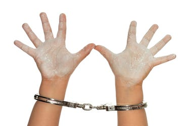 niña arrestada