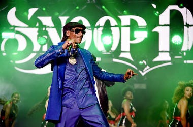 """noop Dogg performs onstage at STARZ Madison Square Garden """"Power"""" Season 6 Red Carpet Premiere, Concert, and Party on August 20, 2019 in New York City."""