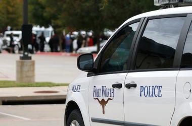 Niños de Fort Worth Que Jugaban A Las Escondidas Encuentran Un Muerto