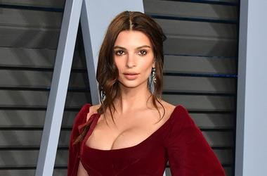 Belvedere Ambassador Emily Ratajkowski attends the 2018 Vanity Fair Oscar Party hosted by Radhika Jones at Wallis Annenberg Center for the Performing Arts on March 4, 2018 in Beverly Hills, California.
