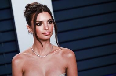 24 February 2019 - Los Angeles, California - Emily Ratajkowski. 2019 Vanity Fair Oscar Party following the 91st Academy Awards held at the Wallis Annenberg Center for the Performing Arts.