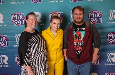 Mix 94.1, Mix 941, KMXB, Las Vegas, Vegas, 2019, Not So Silent Night 2019, Maddie Poppe, Music, Cosmopolitan of Las Vegas
