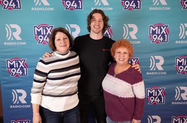 Mix 94.1, Mix 941, KMXB, Las Vegas, Vegas, 2019, Not So Silent Night 2019, Dean Lewis, Music, Cosmopolitan of Las Vegas