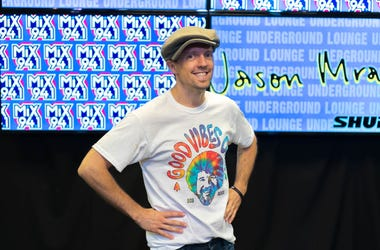 Jason Mraz in Mix 94.1 Underground Lounge