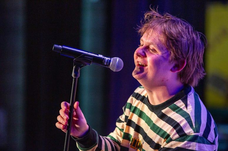 Lewis Capaldi SH On Stage Photos Courtesy Of Key Lime Photography5