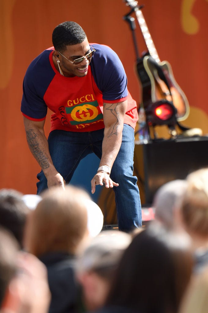 Nelly interacts with crowd