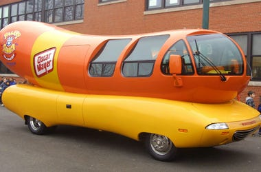 Oscar Mayer is hiring a weinermobile driver