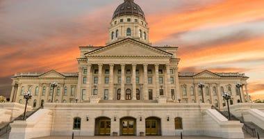 Kansas lawmakers rush to finish budget, transportation plan