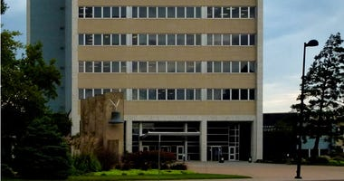 Sedgwick County Commissioners vote on re-opening plan in emergency meeting