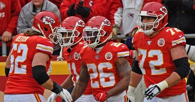 Chiefs win, Patriots lose, KC gets 1st round bye