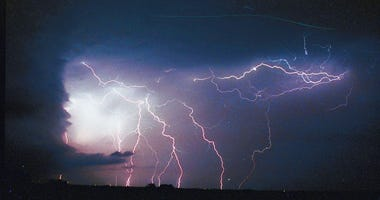 Storms trigger Severe Thunderstorm Warning overnight in Kingman County