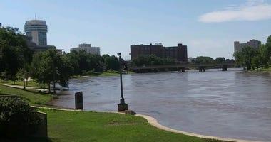 Picture of the Arkansas River in Wichita