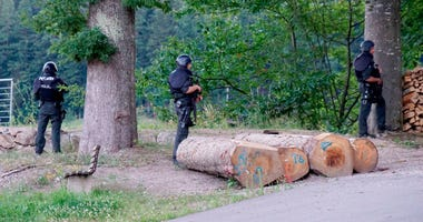 Manhunt in Germany for man who disarmed 4 police officers