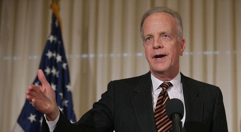 Senator Moran co-sponsors aviation bill