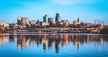 Kansas city, MO cityscape with water reflection