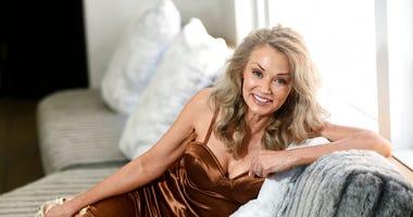 Model Kathy Jacobs  (AP)
