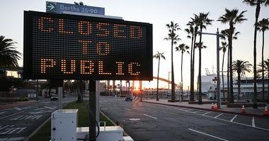 closed sign LA