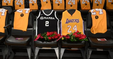 Gianna, Kobe's jersey