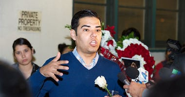 Long Beach Mayor Robert Garcia (GETTY)