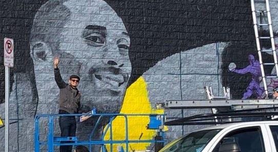 Kobe in mural.