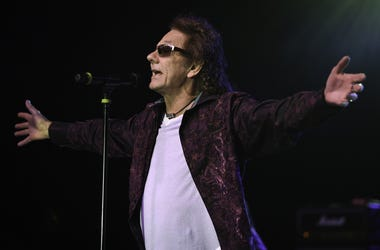 Jan 14, 2017; Pompano Beach, FL, USA; Starship featuring Mickey Thomas perform at the Pompano Beach Amphitheatre. Mandatory Credit: Ron Elkman/USA TODAY NETWORK